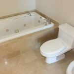 1500 Ocean Drive Unit 510 master bathtub